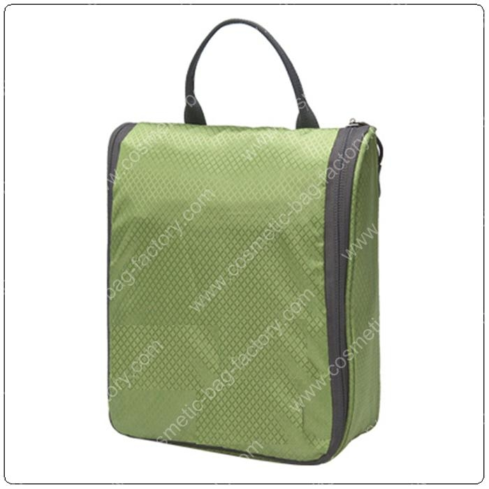 green nylon made unisex hanging toiletry bag