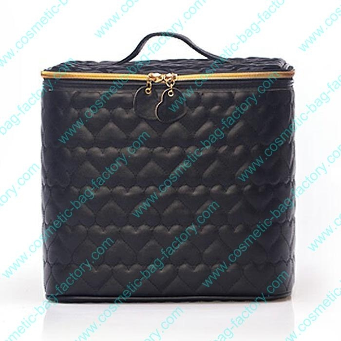 Quilted leather makeup case for women